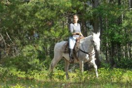 Raphaelle - Western Horse Riding Orientation